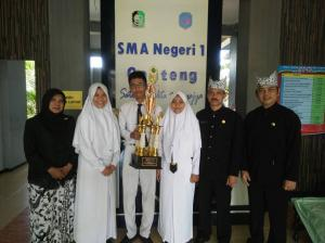 Juara 1 lomba koperasi siswa Tingkat nasional di Universitas Gajah Mada (UGM)