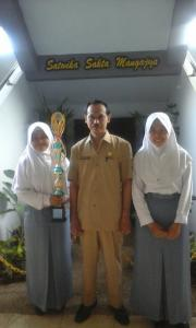 Juara 1 lomba Sosiologi tingkat provinsi di Universitas Negeri SUrabaya (UNESA)