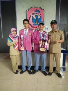 Juara 2 dan harapan 1 olimpiade sejarah tingkat provinsi di Universitas Negeri Malang (UM)